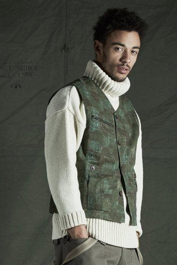 Made-in-England-Realm-Empire-Submariner-Knitwear_1024x1024_b80526c7-a506-44d6-84ea-0e646d92962e_1024x1024
